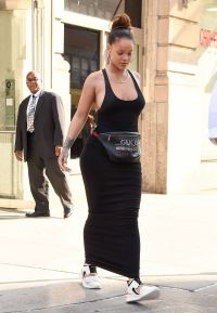 Essence.com Photos Rihanna Body Positivity - Even Wearing fannypacks.